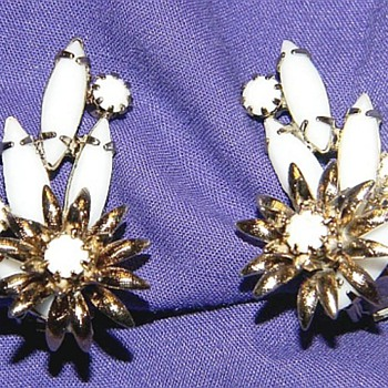 "Alice ""Gorgeous Jewelry"" Caviness Earrings - Costume Jewelry"
