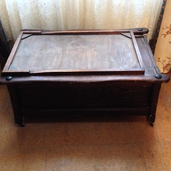 Victorian wooden box chair/bed for children in hospital or in convalescence  - Victorian Era