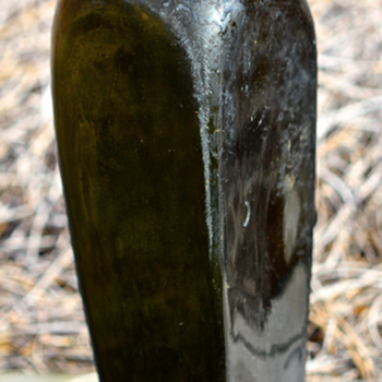 ~~~ 1880's Case Gin Bottle ~~~ - Bottles