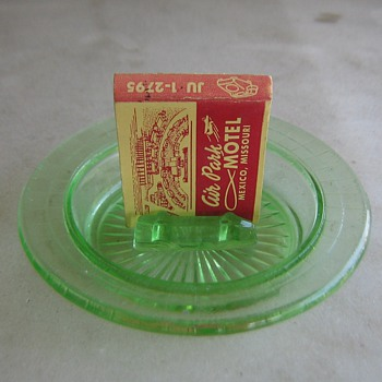Green glass Hazel Atlas ashtray