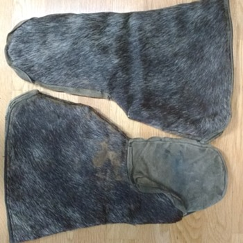 Origin of Fur Gloves
