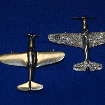 P-39 AIRACOBRA BROOCHES, OF LAWRENCE DALE BELL,  (LARRY BELL), OF BELL AIRCRAFT -- TOGETHER --  1938 - 1944 -- WORLD WAR 2 - Fine Jewelry