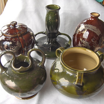 Grouping Five Wakayama Collection Pieces Green & Red Silver Overlay Pottery Japan 1900