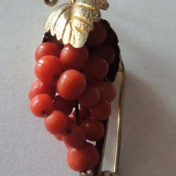 Coral bunches of grapes vermeil brooch