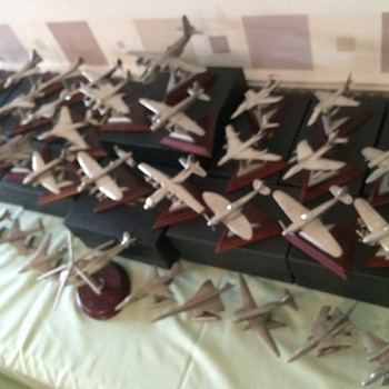 36 Royal Hampshire Pewter Aircraft c/w stands.