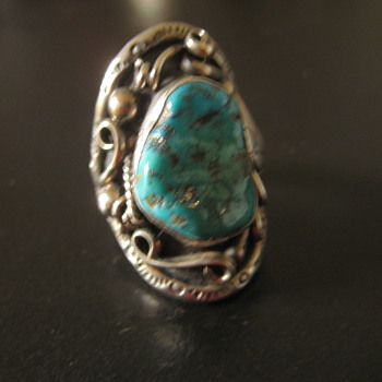 Vintage Sterling and turquoise ring - Native American