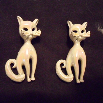 Cat Pins - Costume Jewelry