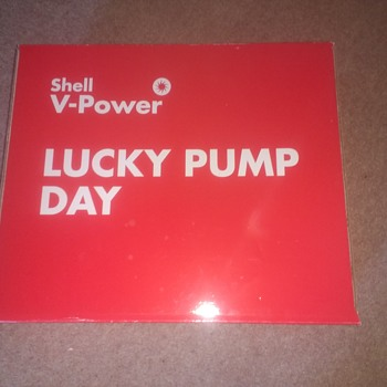 Shell V-Power Lucky Pump day bright red large cardboard box, never likely to be a collectable!