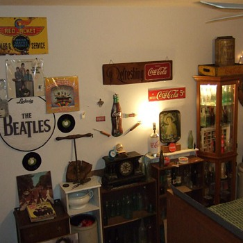 full view of entire collection - Coca-Cola