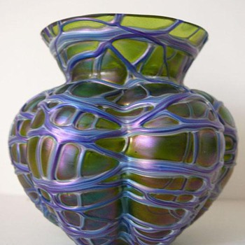 kralik i guess - Art Glass