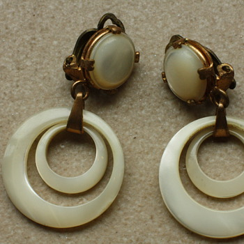 Mother of pearl earrings - Costume Jewelry