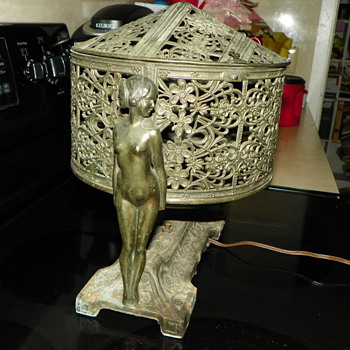 Vintage NUDE Ladies Lamp - deco? - Lamps