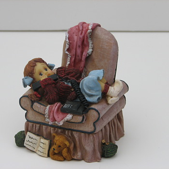Vanmark Sweet Cakes copyright 2000 Child in Chair on Telephone