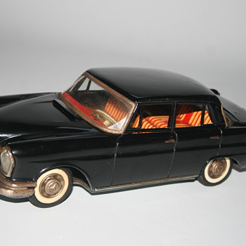 Mercedes 220 tin toy japan