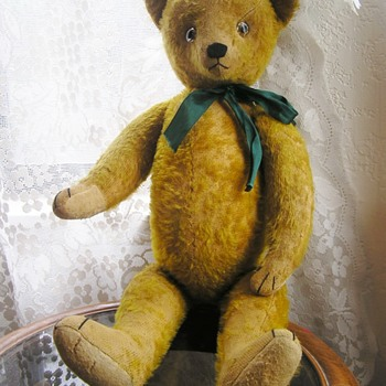 VERY OLD TEDDY.  identify me please!!