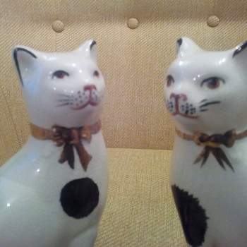 Royale Stratford hand painted cats