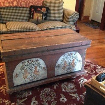 Pa. Dutch Chest