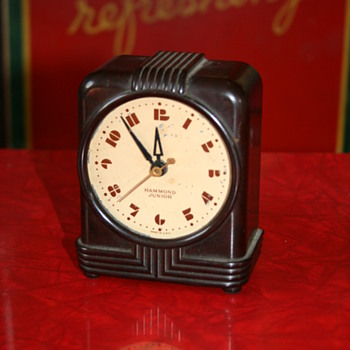 hammond junior bakelite clock