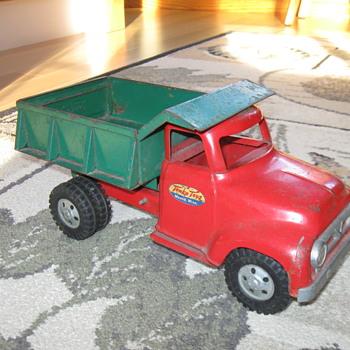 1950's TONKA DUMP TRUCK