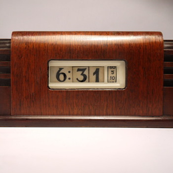 Pennwood 'Zephyr' Cyclometer - Clocks