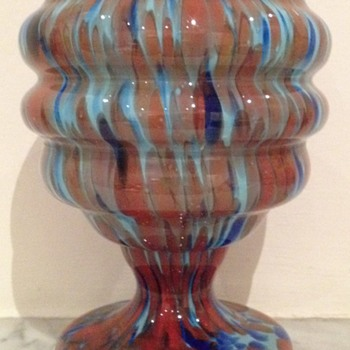 Blue and red spatter glass urn