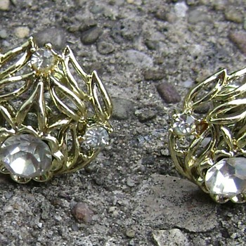 Vintage Coro Earrings - Costume Jewelry