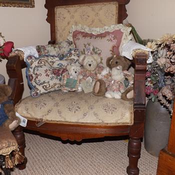 Victorian Eastlake parlor chair - Victorian Era