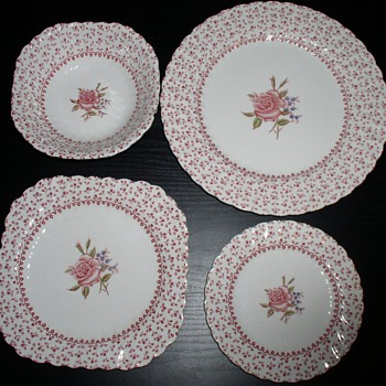 New treasures found - China and Dinnerware
