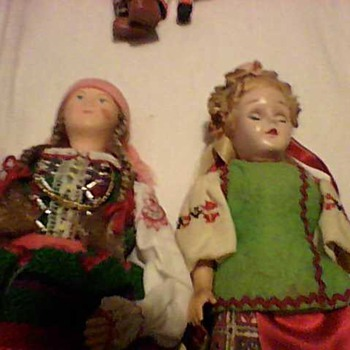 A VARIETY OF PRETTY LITTLE DOLLS - Dolls