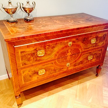Antique dresser, chest of drawers.  - Furniture