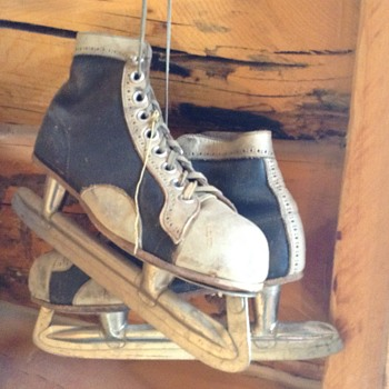 Christmas Ice Skates  - Hockey