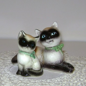 Vintage Goebel Siamese Kitten and Cat - Figurines