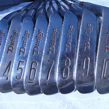 "Dunlop Gold Cup irons (R/H, full set, 3-10) ""Daw Fwsterwold"" - Sporting Goods"