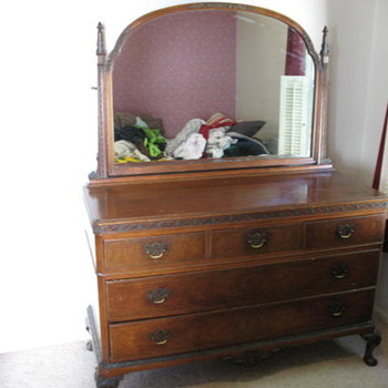 Ball-and-Claw Dresser with Large Mirror