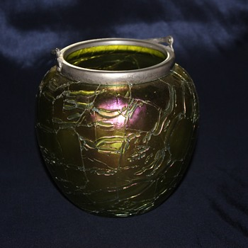 Lucky find Biscuit Jar (Kralik Crackle?) - Art Glass