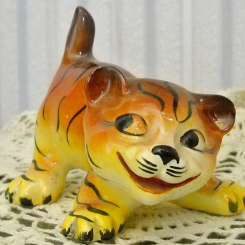 WEATHERBY PLAYFUL TIGER CUB - Art Pottery