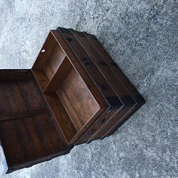 Trying to figure out age of this chest Yale and towne lock on this chest - Furniture