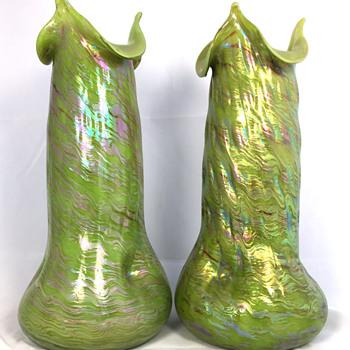 "Rindskopf  Hellgrünes Opalglas Vases. 11.5"" tall. Circa 1902"