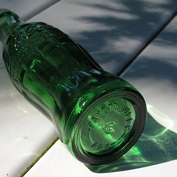 Emerald Green Coca-Cola bottle - 1961