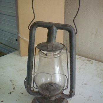 ANTIQUE BARN LANTERN???? HELP