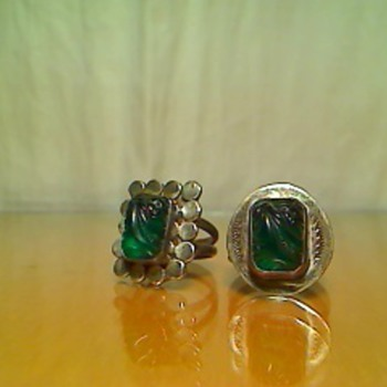 green glass rings - Costume Jewelry