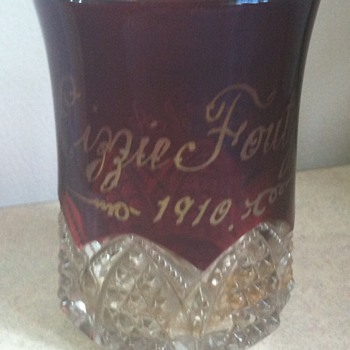 Small glass dated 1910 modern woodmen of america - Glassware