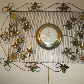 United Ivy Leaf Clock