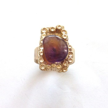VINTAGE 50'S AMETHYST STONE SILVER TONE COCKTAIL RING