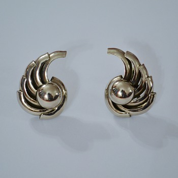 Machine Age / Art Deco style screw-back earrings