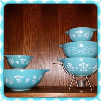 Aqua Vintage Pyrex - Kitchen