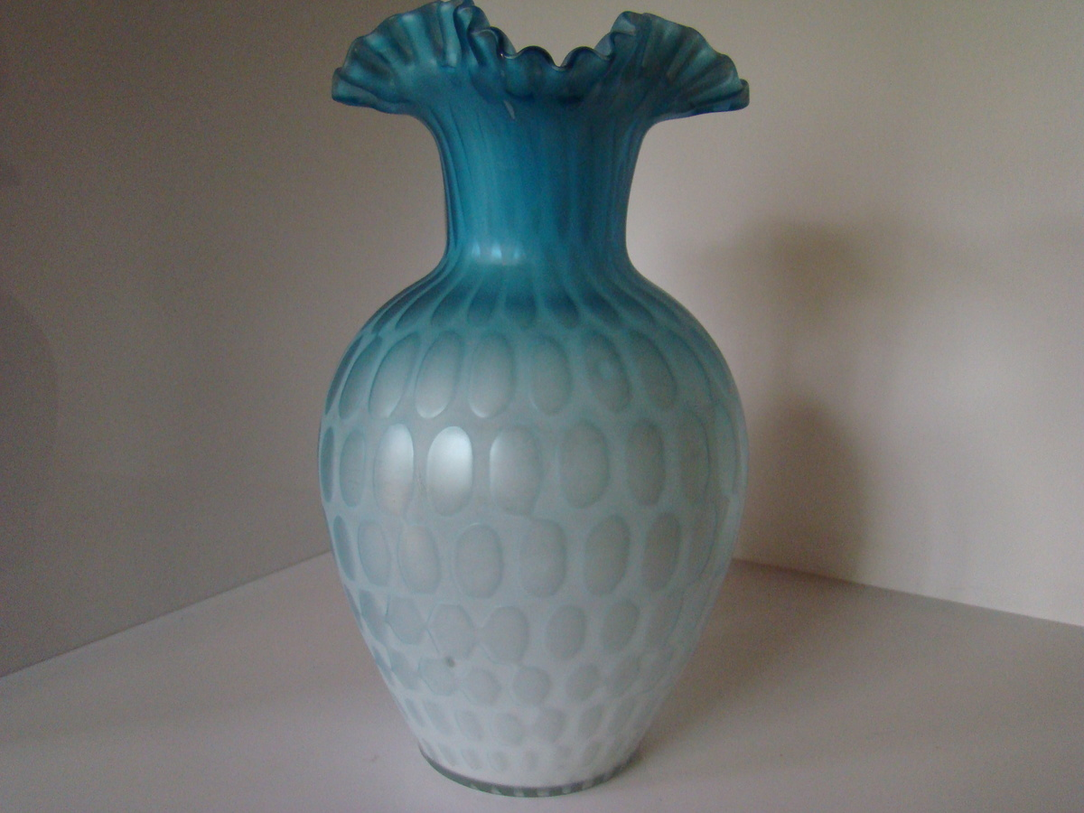 Harrach air trap vase collectors weekly for Air vase