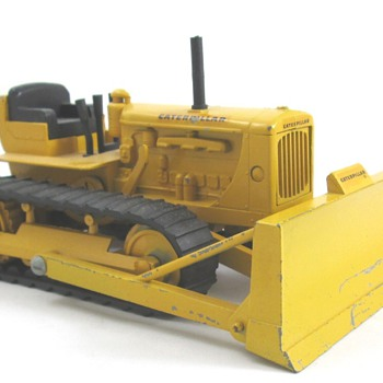 Caterpillar D-6 Dozer Bar Grill - Toys