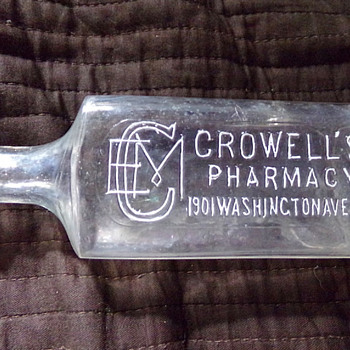 Crowell's Pharmacy, New York