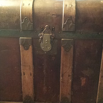 antique trunk possibly? - Victorian Era